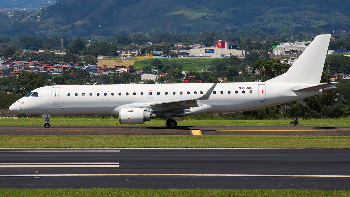Click image for larger version.  Name:Private_N752BC_17NOV17_1200_profileEMbraer.jpg Views:25 Size:715.3 KB ID:11386