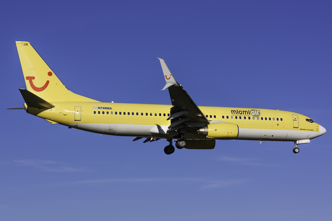 Click image for larger version.  Name:Miami Air 737-800 N748MA.jpg Views:100 Size:318.1 KB ID:11554