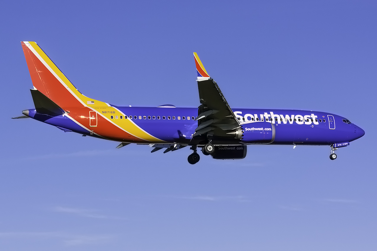 Click image for larger version.  Name:Southwest 737 MAX 8 N8716B.jpg Views:117 Size:379.1 KB ID:11608