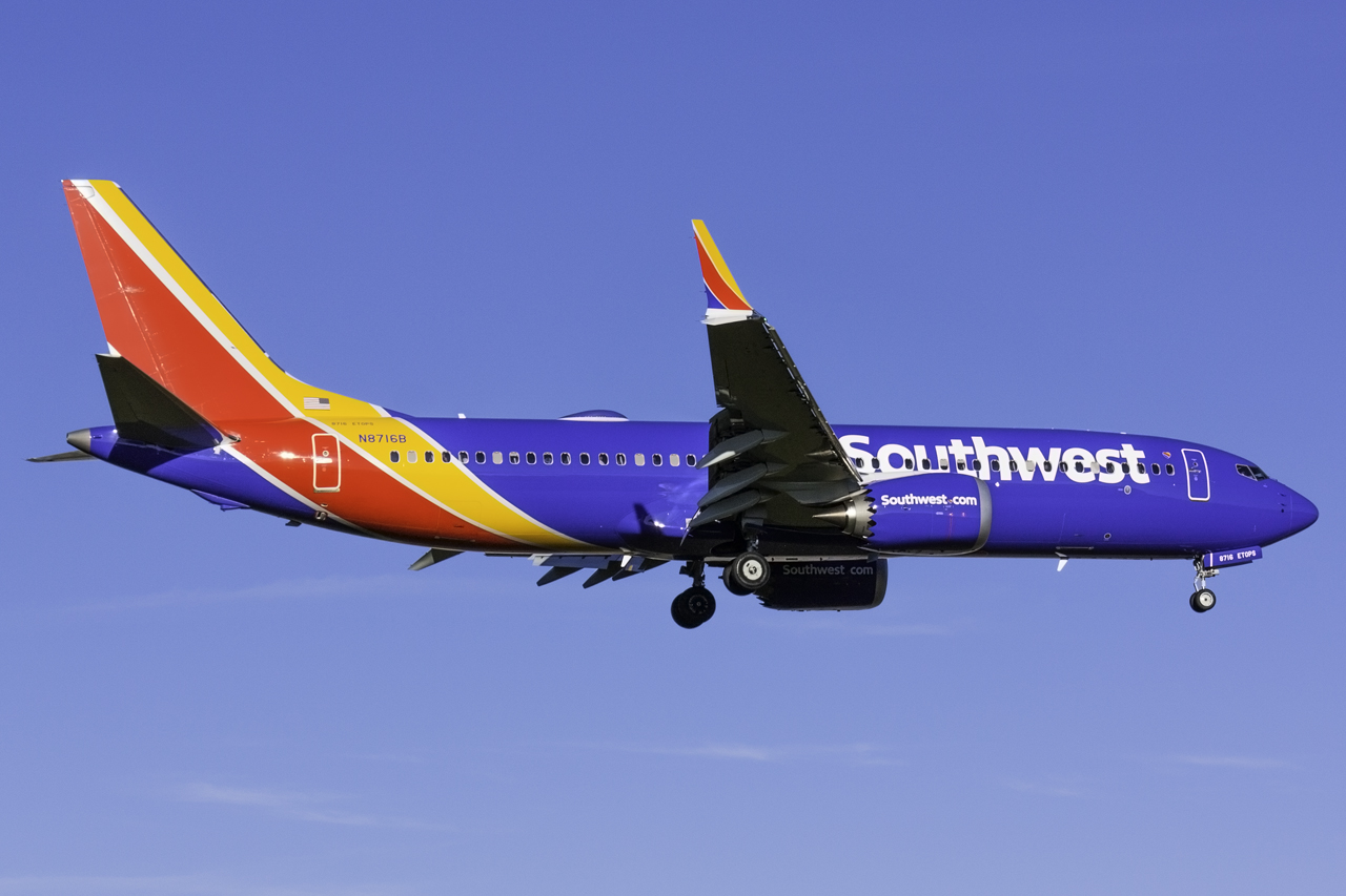 Click image for larger version.  Name:Southwest 737 MAX 8 N8716B.jpg Views:121 Size:483.3 KB ID:11625