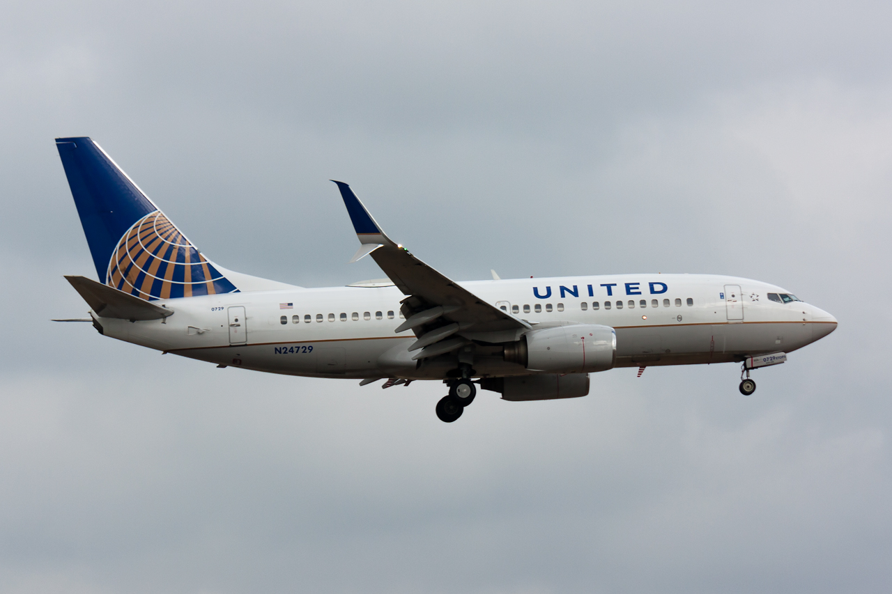 Click image for larger version.  Name:United 737-700 N24729 JP.jpg Views:26 Size:425.9 KB ID:11747