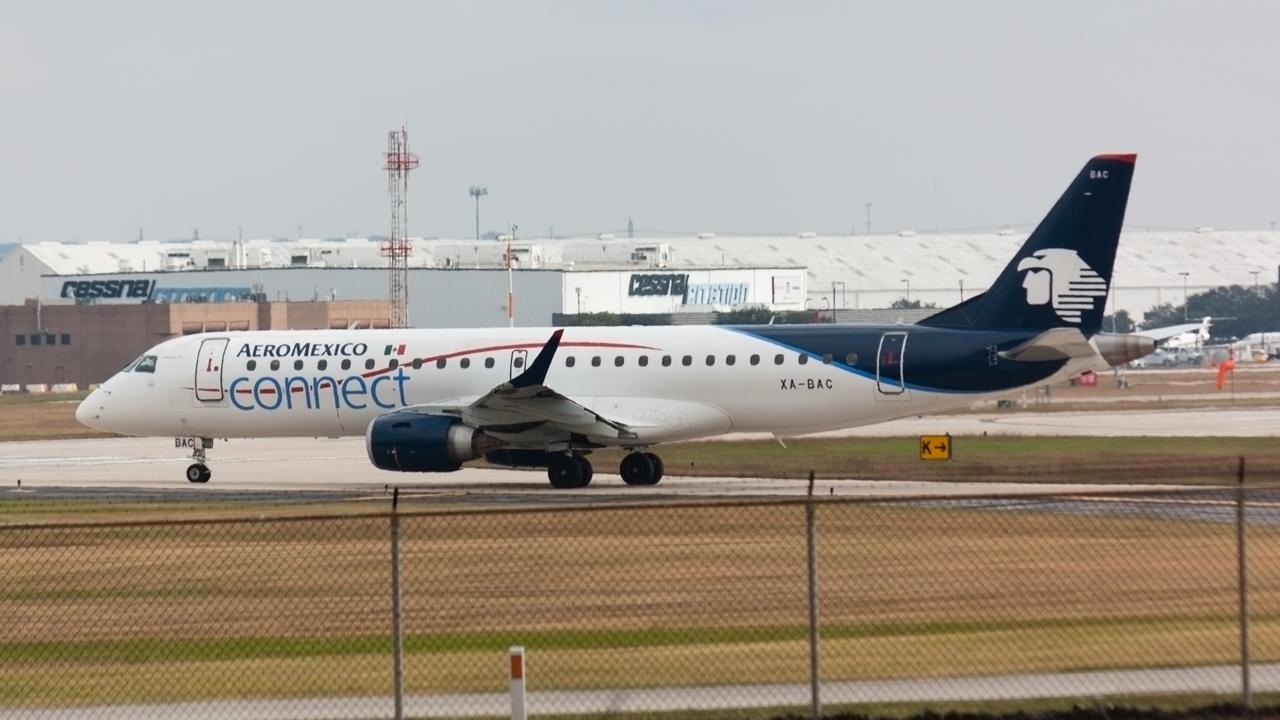 Click image for larger version.  Name:Aeromexico Connect ERJ-190 XA-BAC JP.jpg Views:28 Size:469.5 KB ID:11748