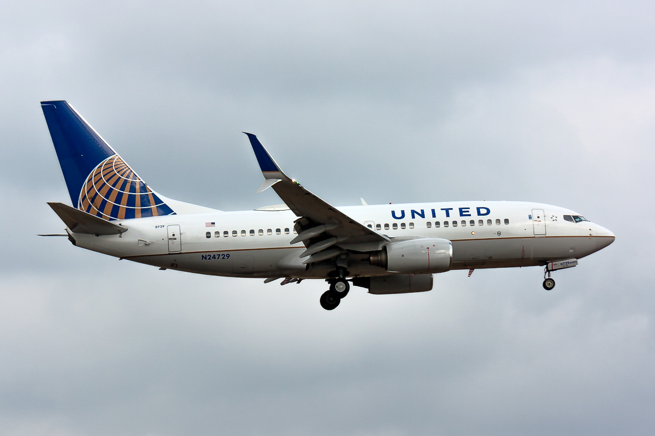 Click image for larger version.  Name:United 737-700 N24729 JP-.jpg Views:36 Size:535.5 KB ID:11796