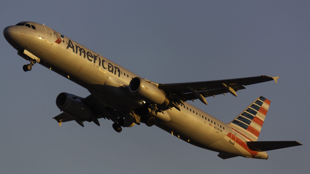 Click image for larger version.  Name:American a321 N519UW.jpg Views:28 Size:399.7 KB ID:12621