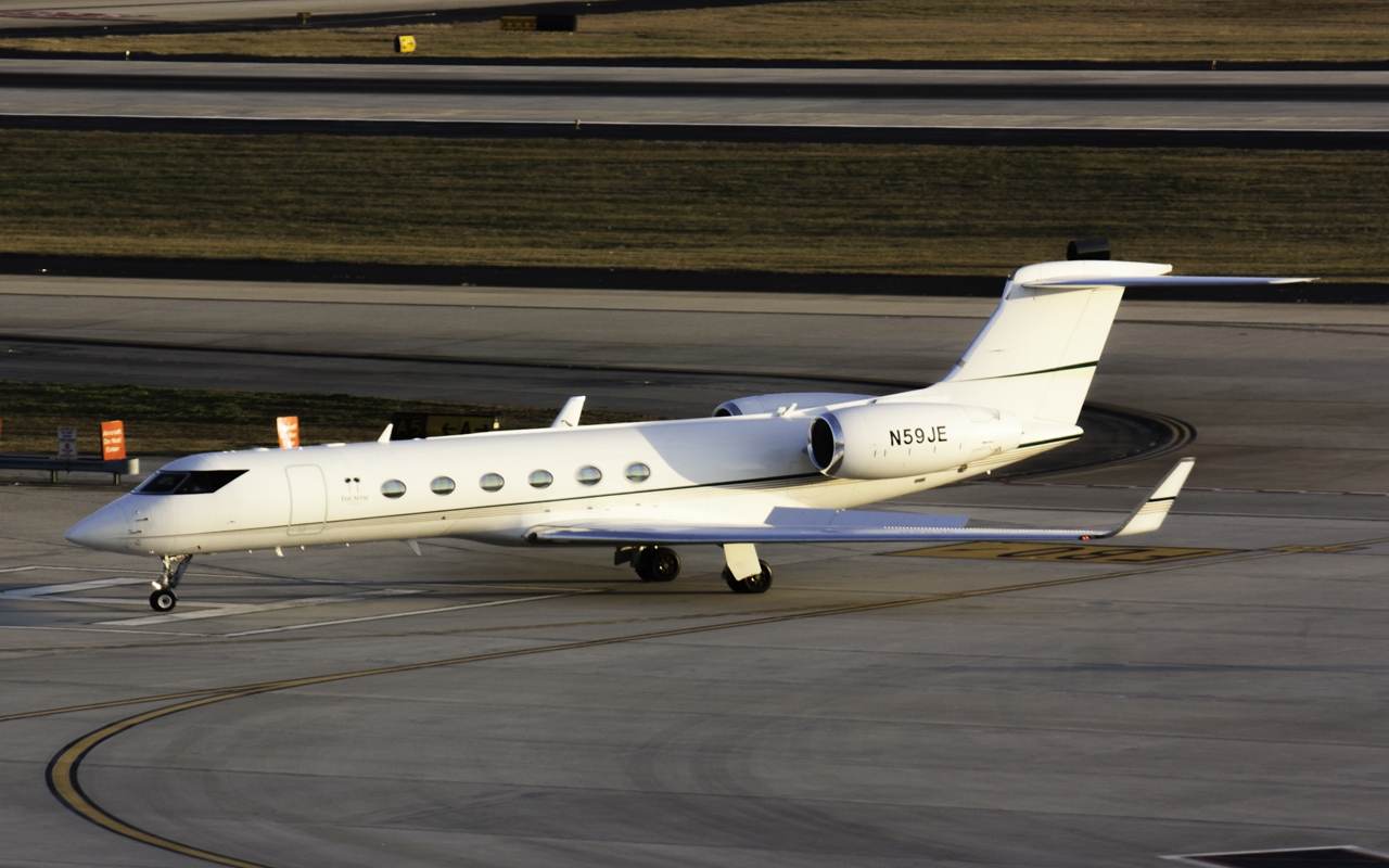 Click image for larger version.  Name:Gulfstream V N59JE.jpg Views:25 Size:541.3 KB ID:12623