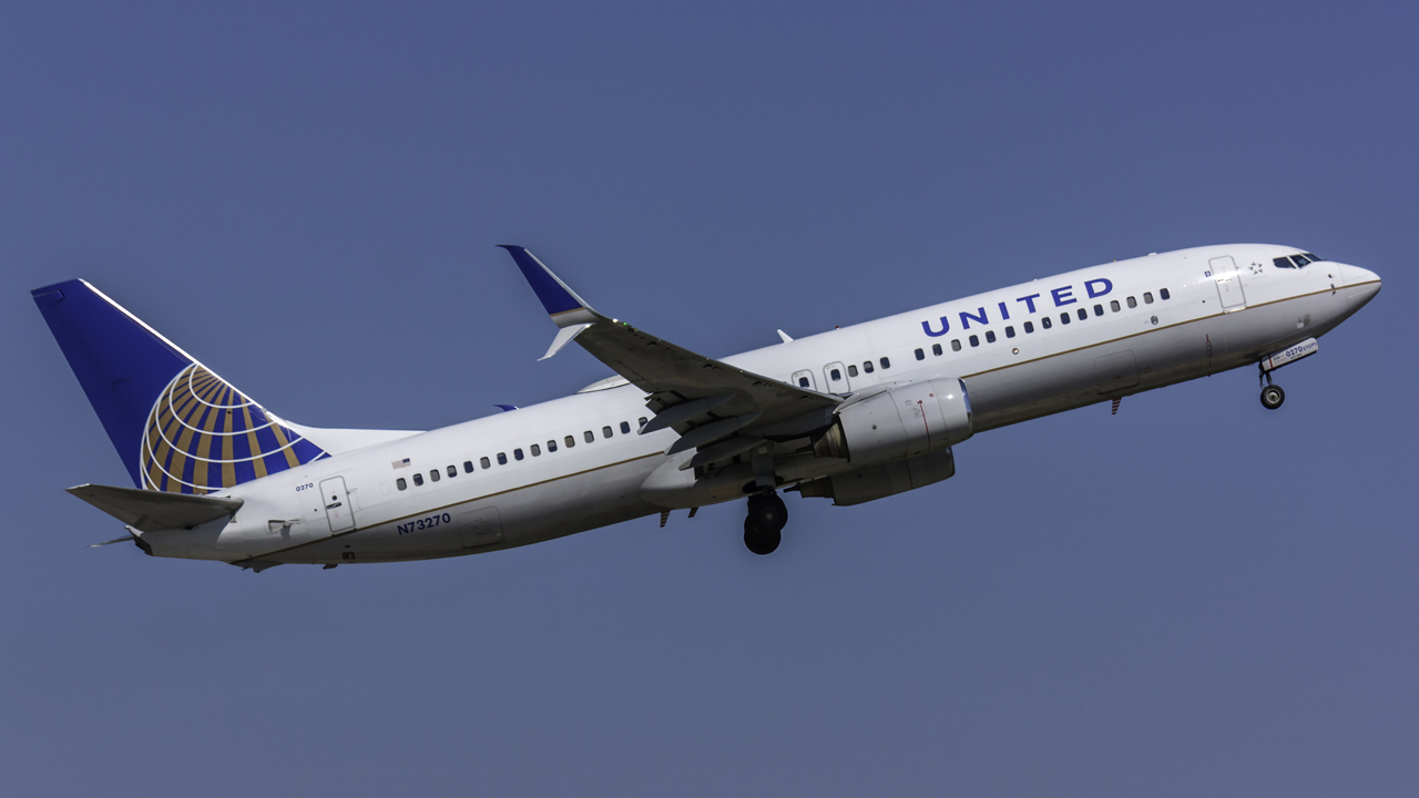 Click image for larger version.  Name:United 737-800 N73270 JetPhotos.jpg Views:18 Size:327.9 KB ID:12947