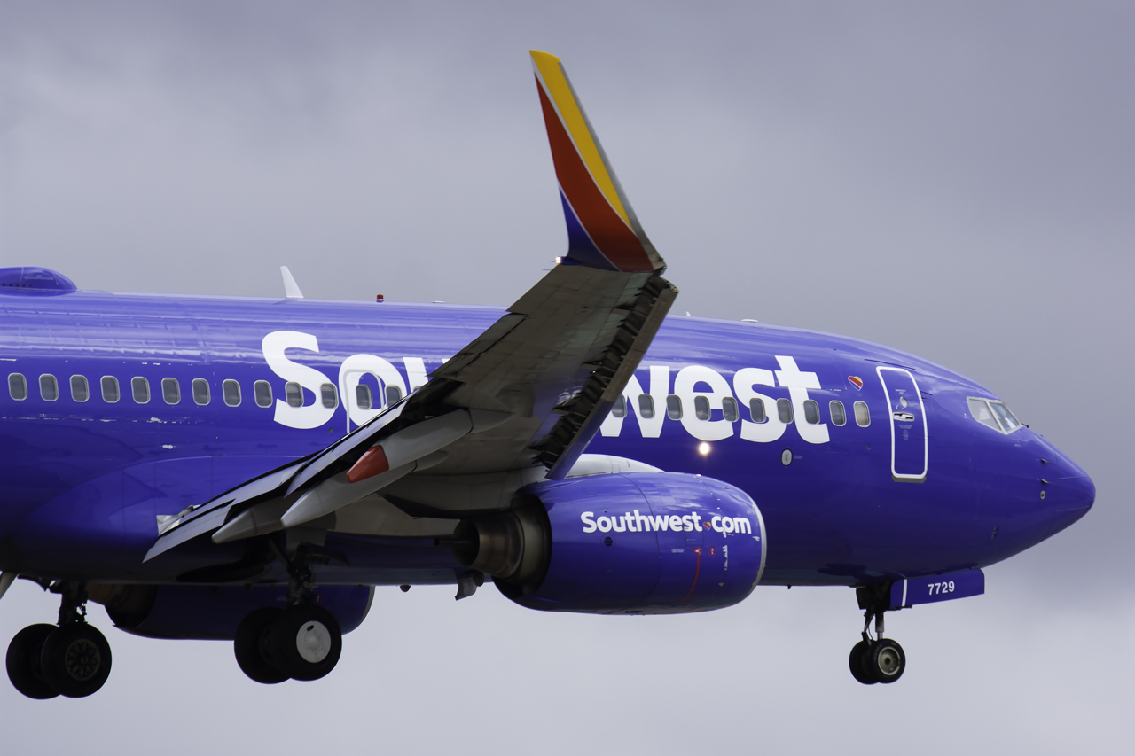 Click image for larger version.  Name:Southwest 737-700 N7729A JetPhotos.jpg Views:23 Size:391.7 KB ID:13227