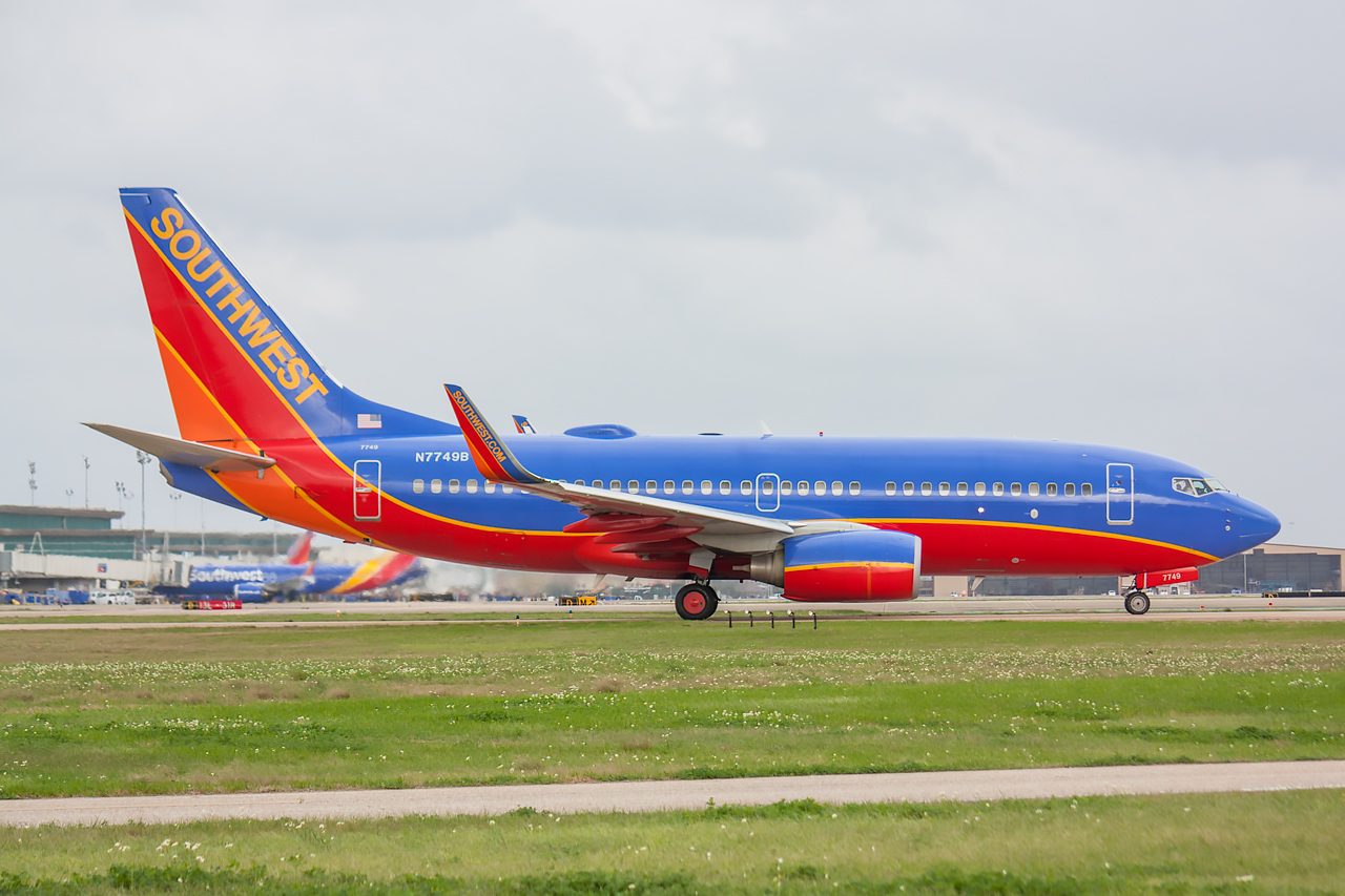 Click image for larger version.  Name:Southwest 737-700 N7749B Small.jpg Views:40 Size:649.7 KB ID:14037