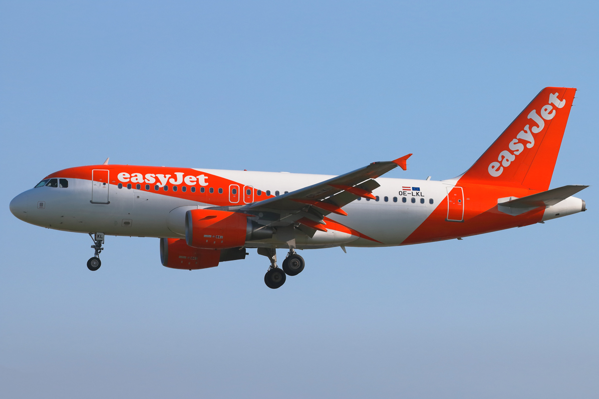Click image for larger version.  Name:OE-LKL-easyjet.jpg Views:41 Size:369.9 KB ID:15979