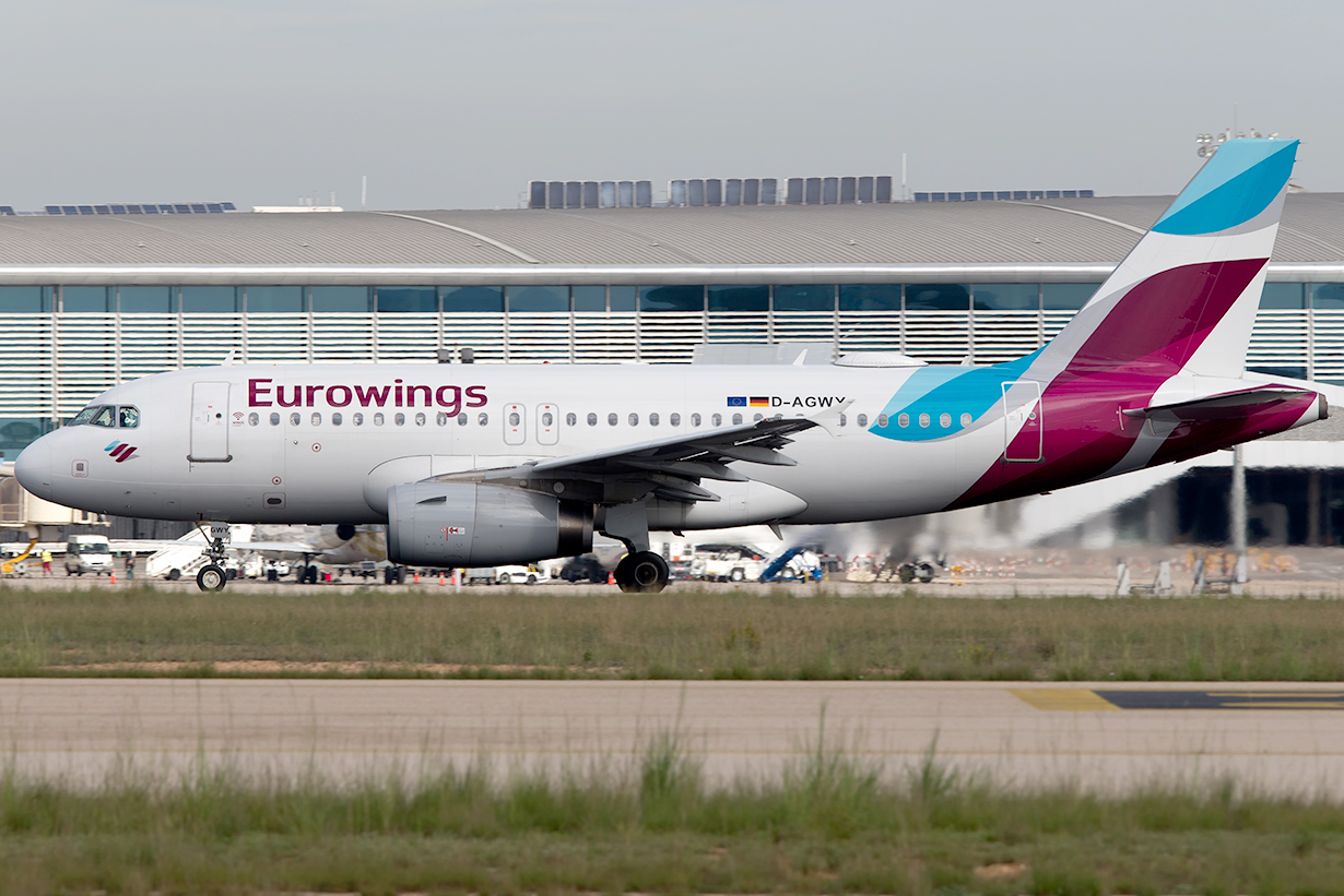 Click image for larger version.  Name:D-AGWY_A319_Eurowings_E1.jpg Views:19 Size:609.2 KB ID:19701