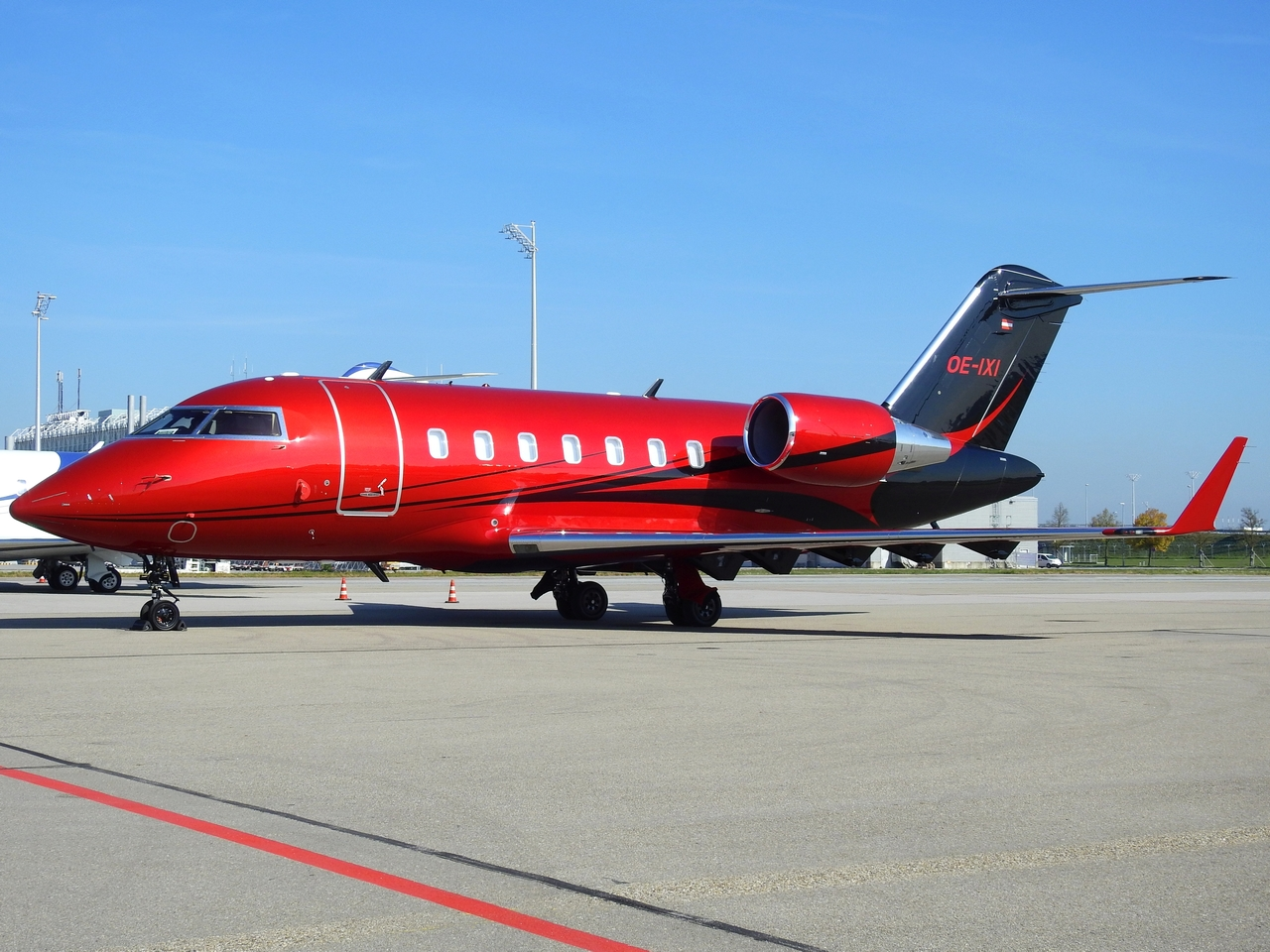 Click image for larger version.  Name:OE-IXI Private Canadair CL-600-2B16 Challenger 604 (1).JPG Views:32 Size:826.4 KB ID:21406