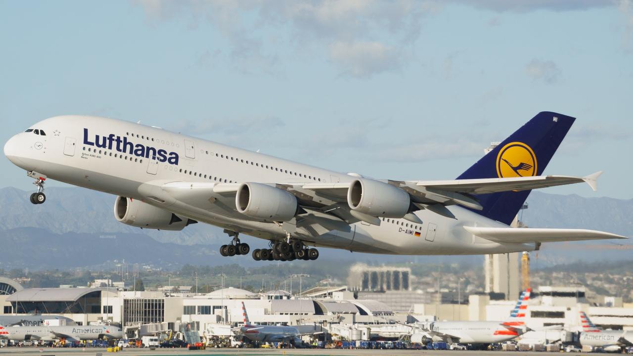 Click image for larger version.  Name:lufthansadaimiedited.jpg Views:41 Size:615.7 KB ID:22360