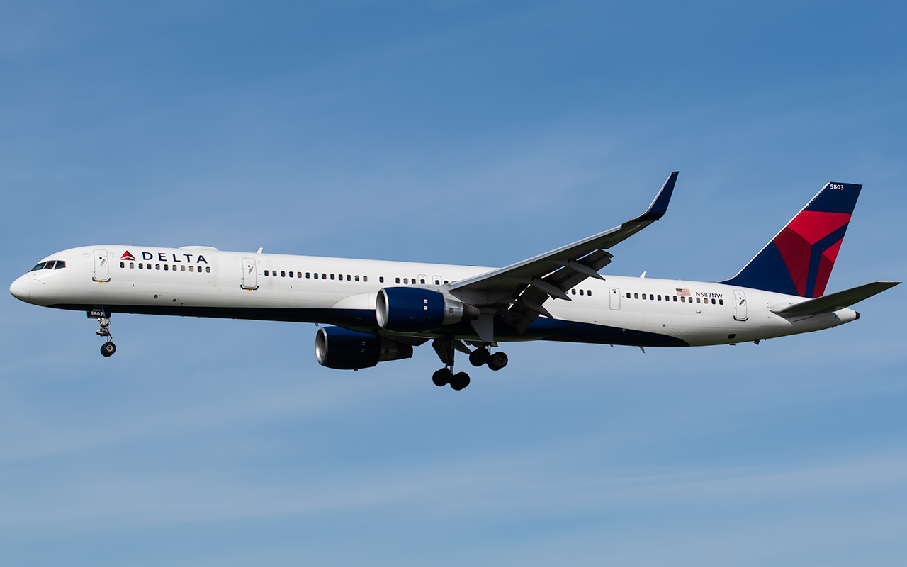 Click image for larger version.  Name:Delta N583NW JP.jpg Views:32 Size:251.8 KB ID:22598
