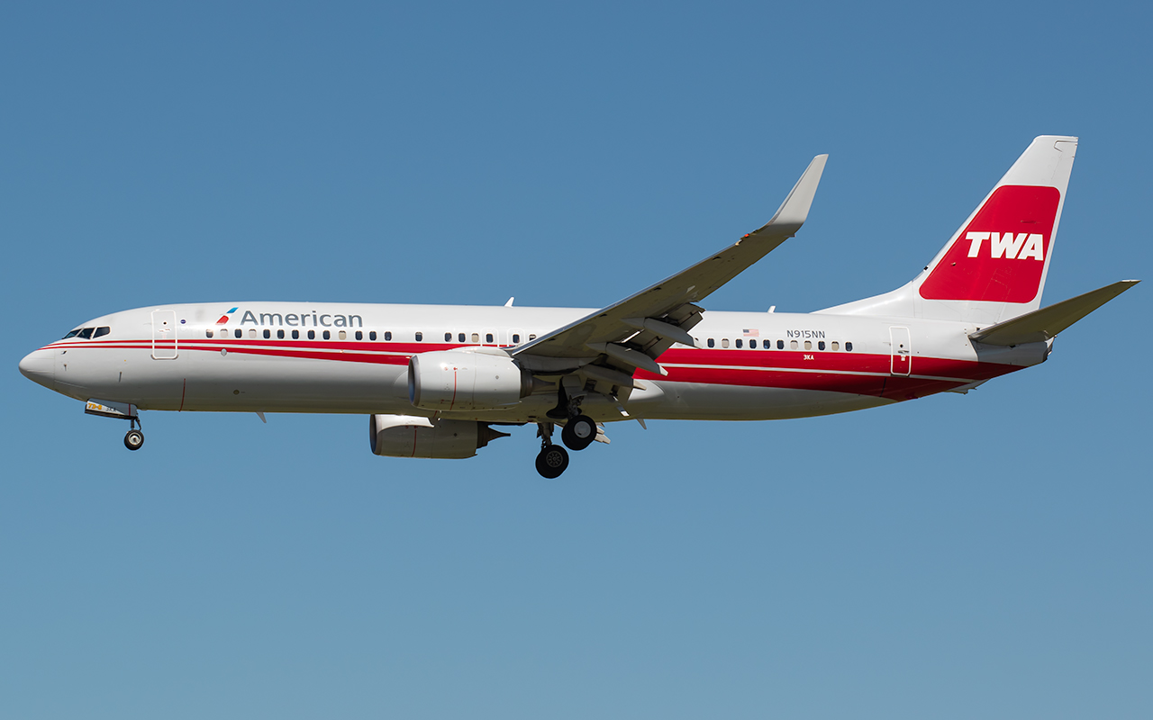 Click image for larger version.  Name:AA TWA 737 N916NN JP.jpg Views:25 Size:273.4 KB ID:22673