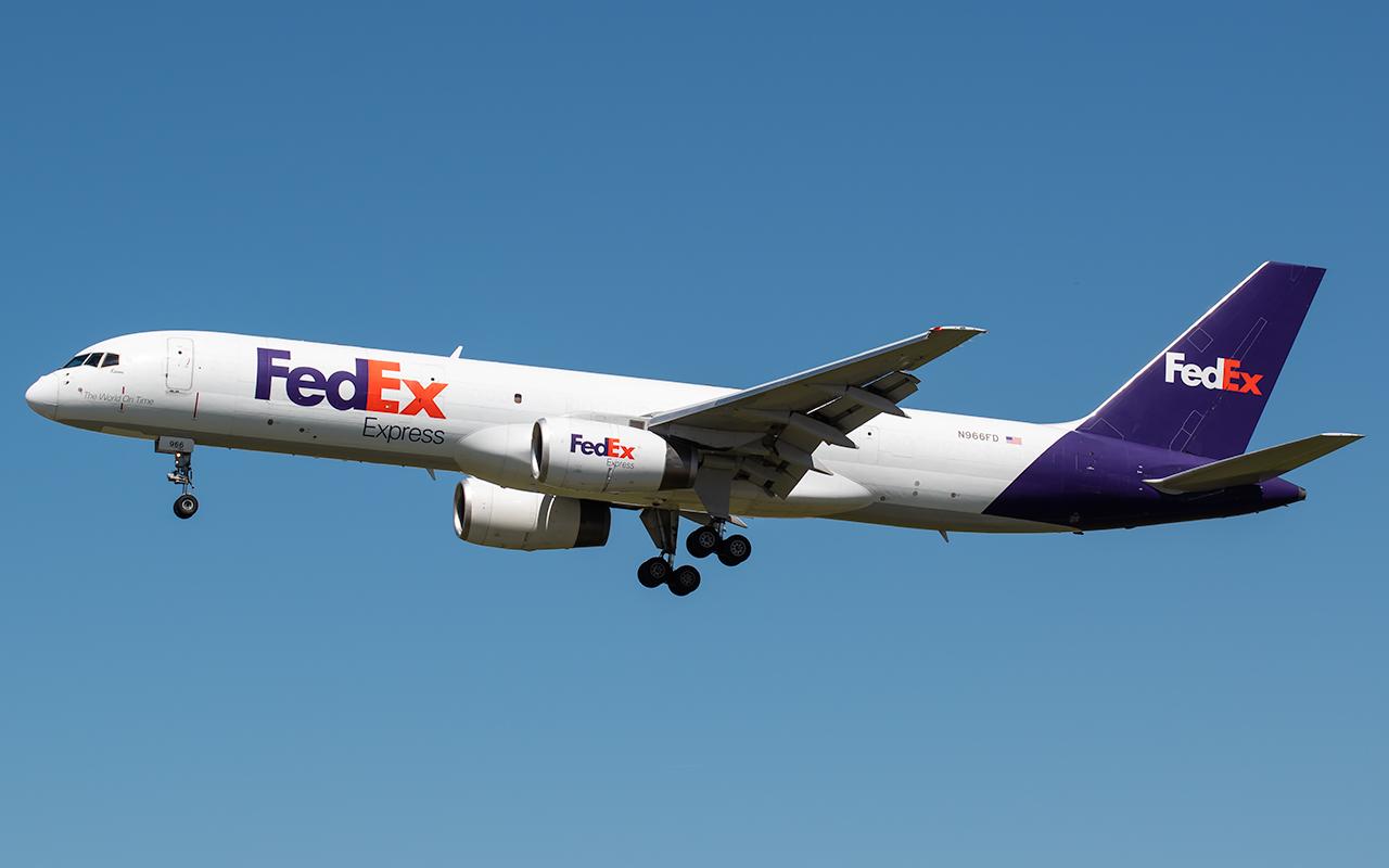 Click image for larger version.  Name:FedEx N966FD 757 JP.jpg Views:25 Size:275.0 KB ID:22675