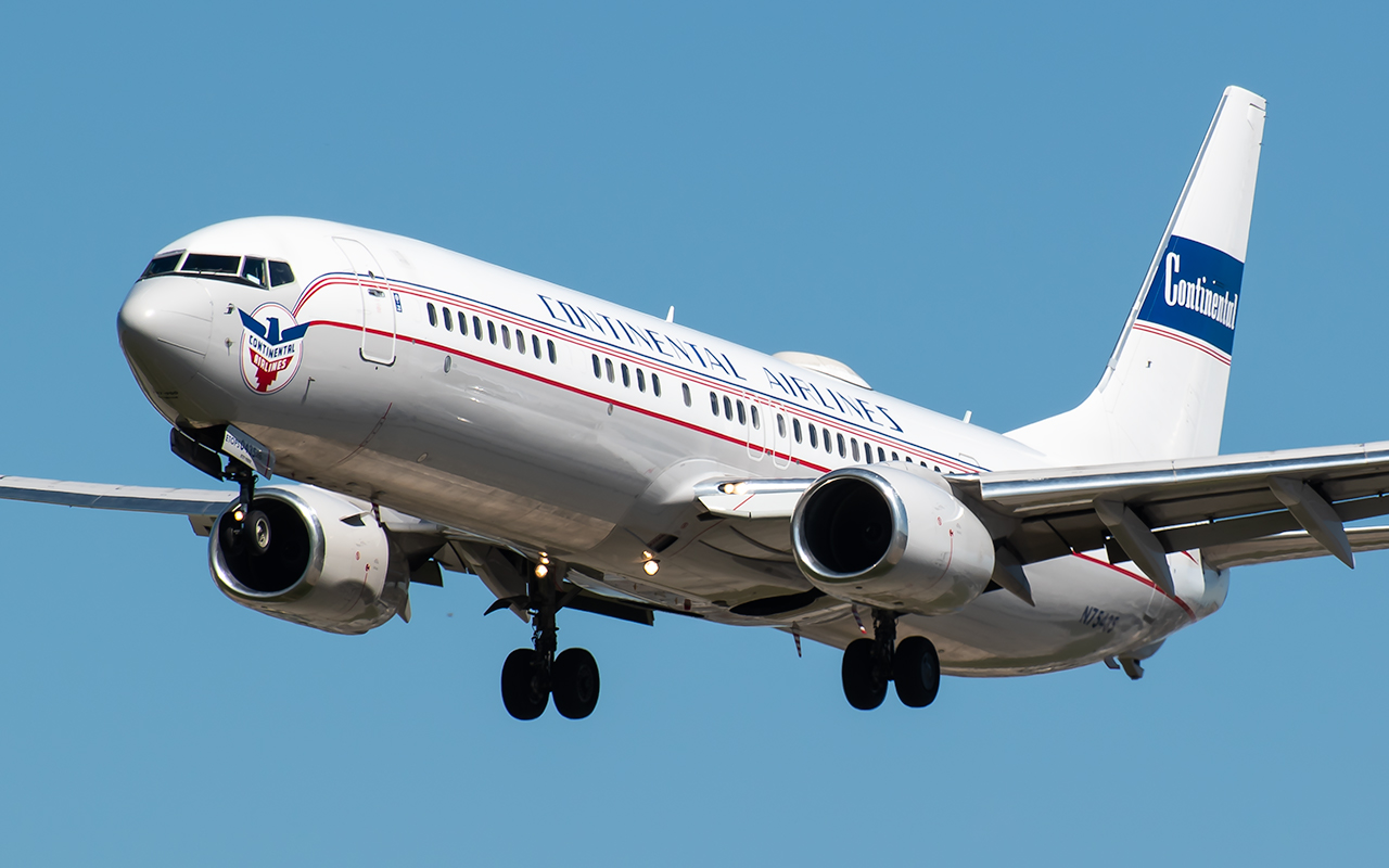 Click image for larger version.  Name:Contintental Retro 737 Angle 1 JP.jpg Views:27 Size:378.0 KB ID:22794