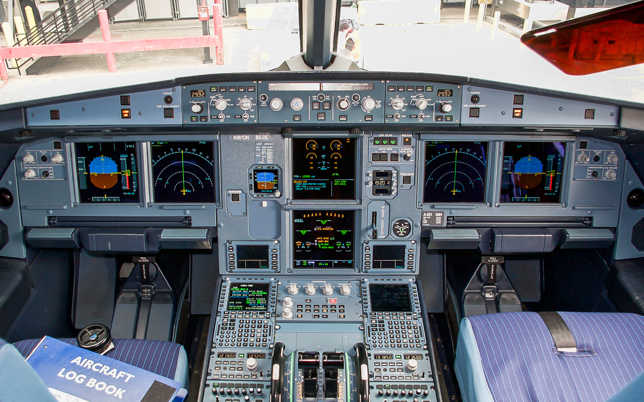 Click image for larger version.  Name:N361DN_Cockpit.jpg Views:24 Size:1.02 MB ID:22949