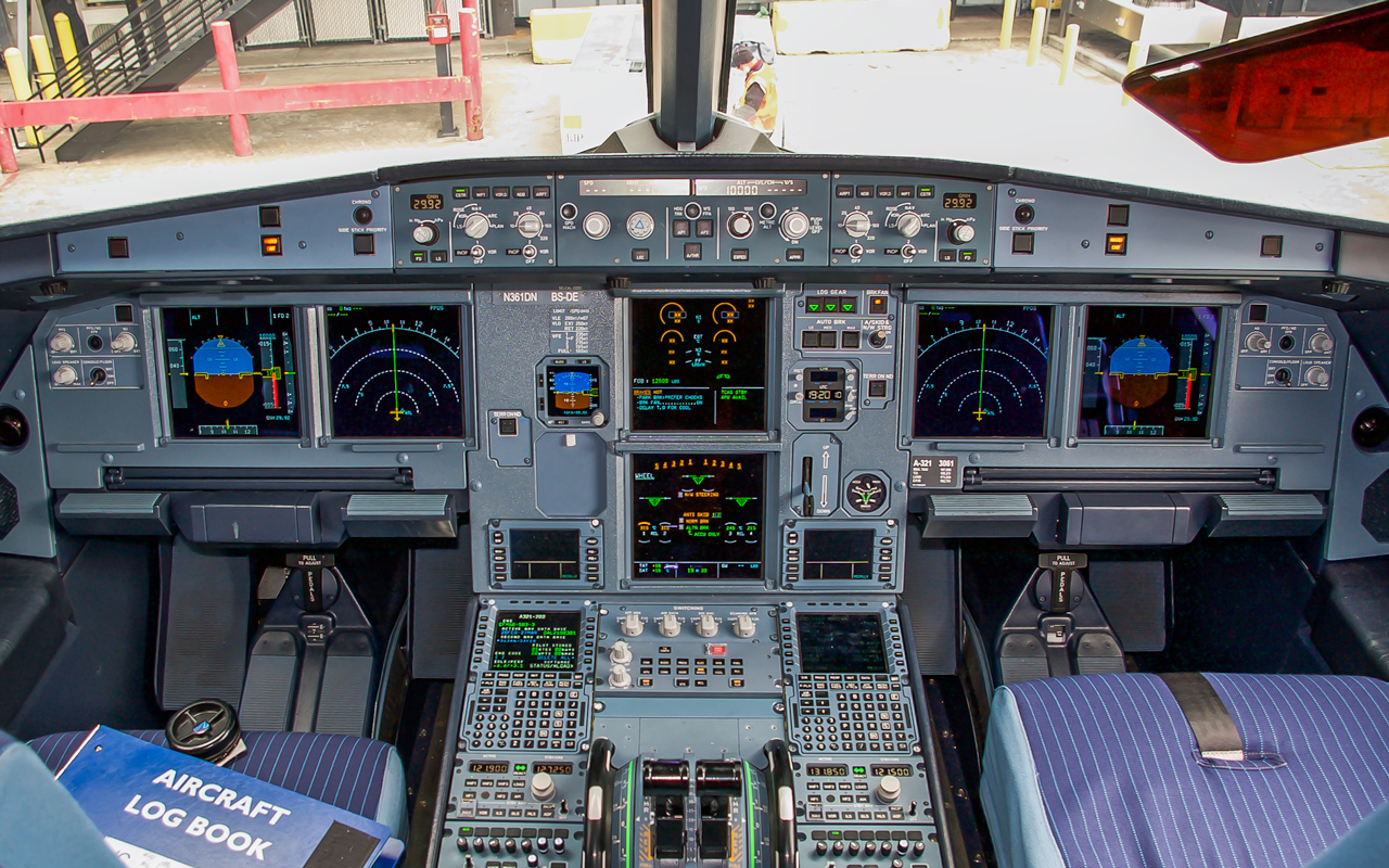 Click image for larger version.  Name:N361DN_Cockpit.jpg Views:16 Size:1.03 MB ID:22954