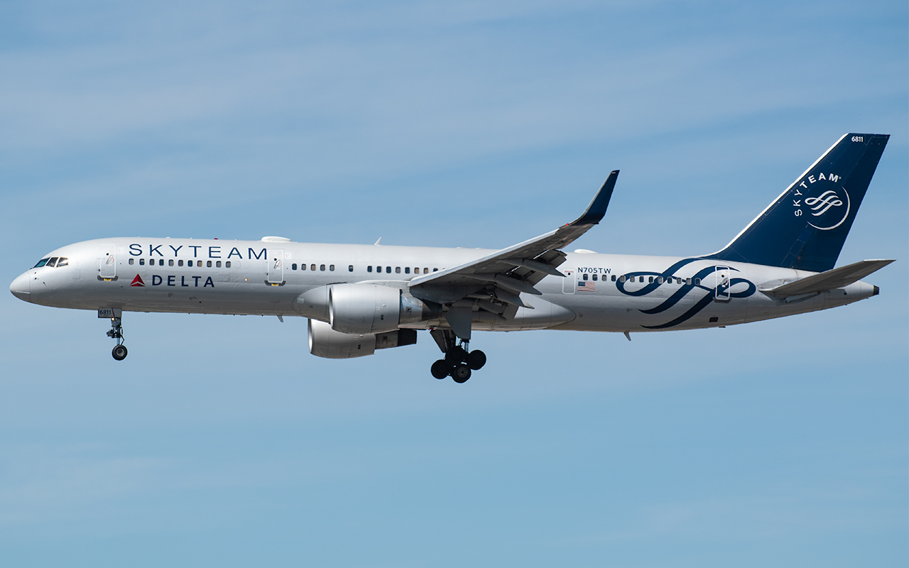 Click image for larger version.  Name:Delta SkyTeam 757 N705TW JP.jpg Views:15 Size:351.6 KB ID:23033