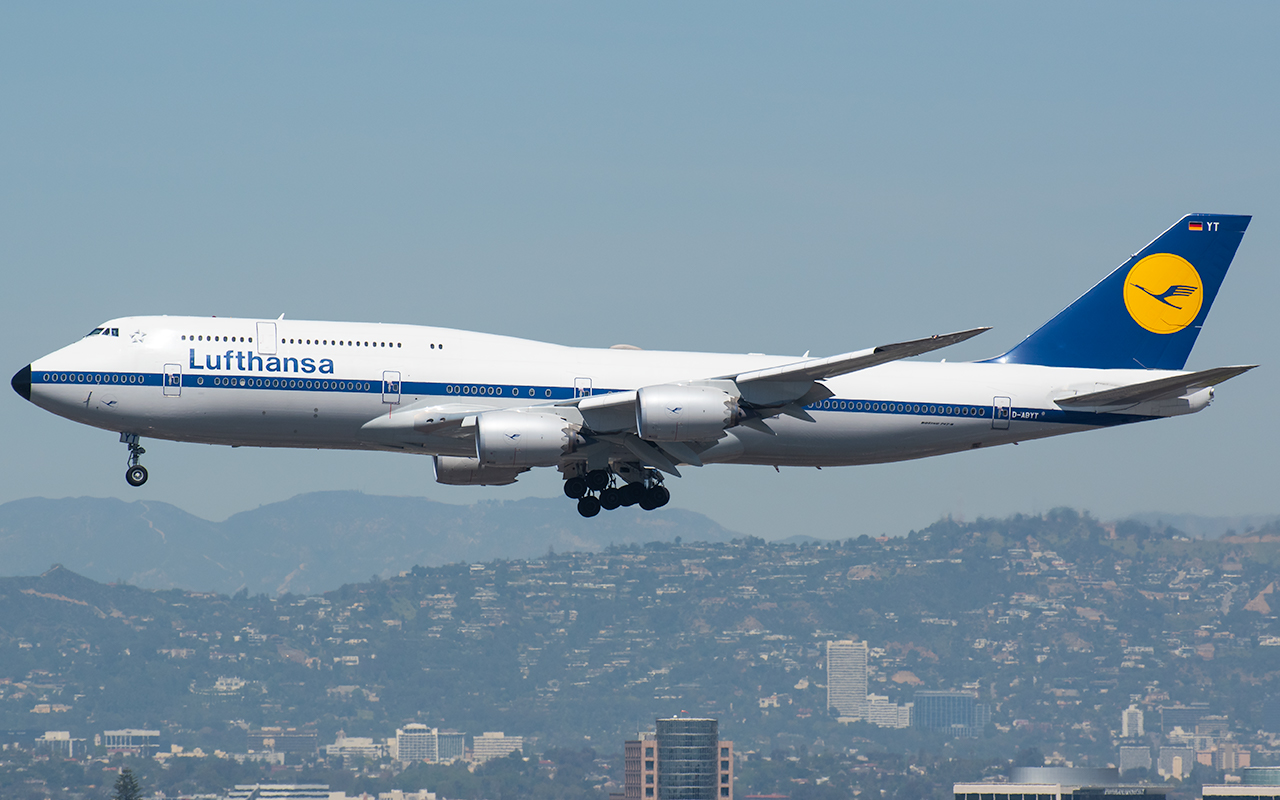 Click image for larger version.  Name:Lufthansa 748 Retro D-ABYT JP.jpg Views:17 Size:540.8 KB ID:23592