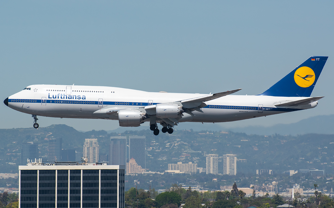 Click image for larger version.  Name:Lufthansa 748 Retro D-ABYT JP 2.jpg Views:16 Size:560.4 KB ID:23595