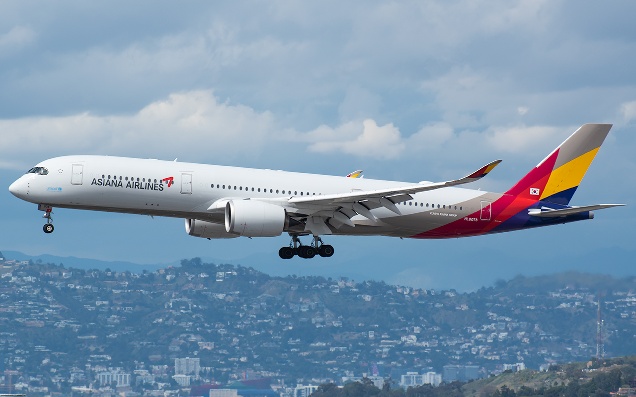 Click image for larger version.  Name:Asiana A350 HL8078 JP 2.jpg Views:18 Size:516.5 KB ID:23596
