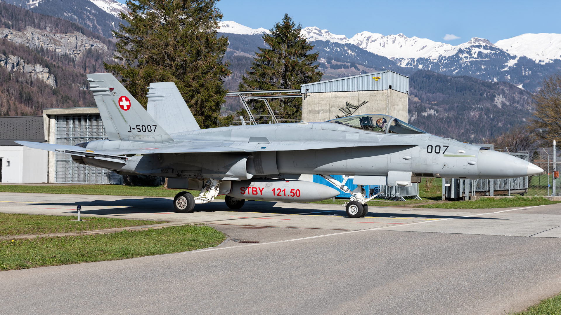 Click image for larger version.  Name:Swiss-F-18-007-web.jpg Views:16 Size:1.82 MB ID:23694