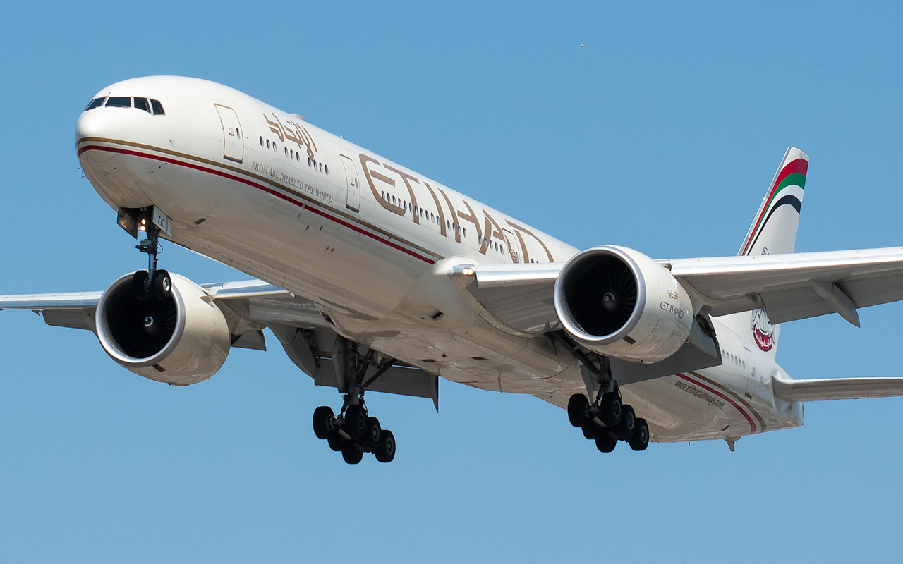 Click image for larger version.  Name:Etihad 77w A6-ETK JP.jpg Views:15 Size:524.8 KB ID:23742