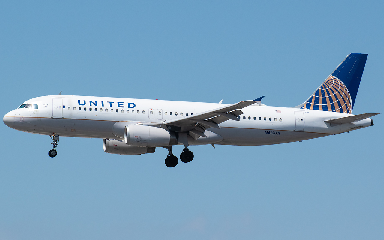 Click image for larger version.  Name:United A320 N413UA JP 2.jpg Views:11 Size:381.1 KB ID:23785