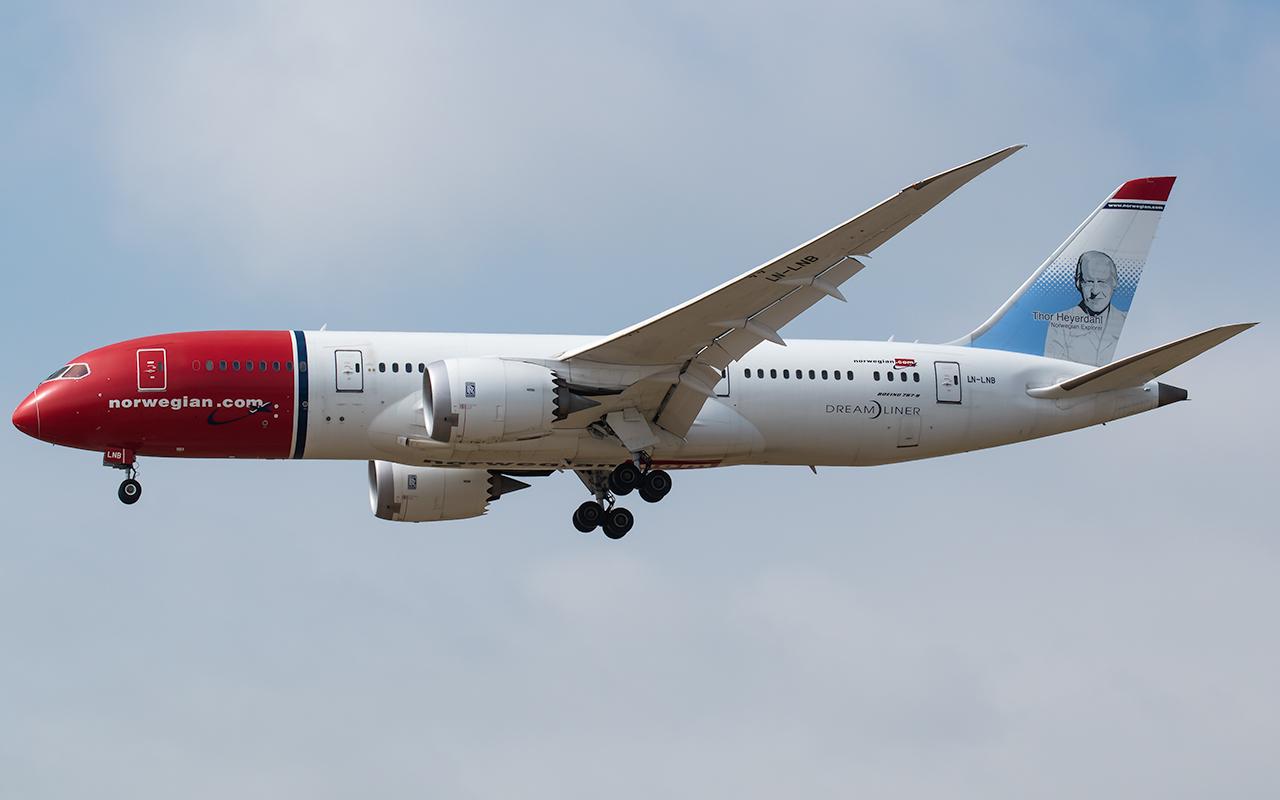 Click image for larger version.  Name:Norwegian 787-8 LN-LNB JP.jpg Views:14 Size:319.5 KB ID:23906