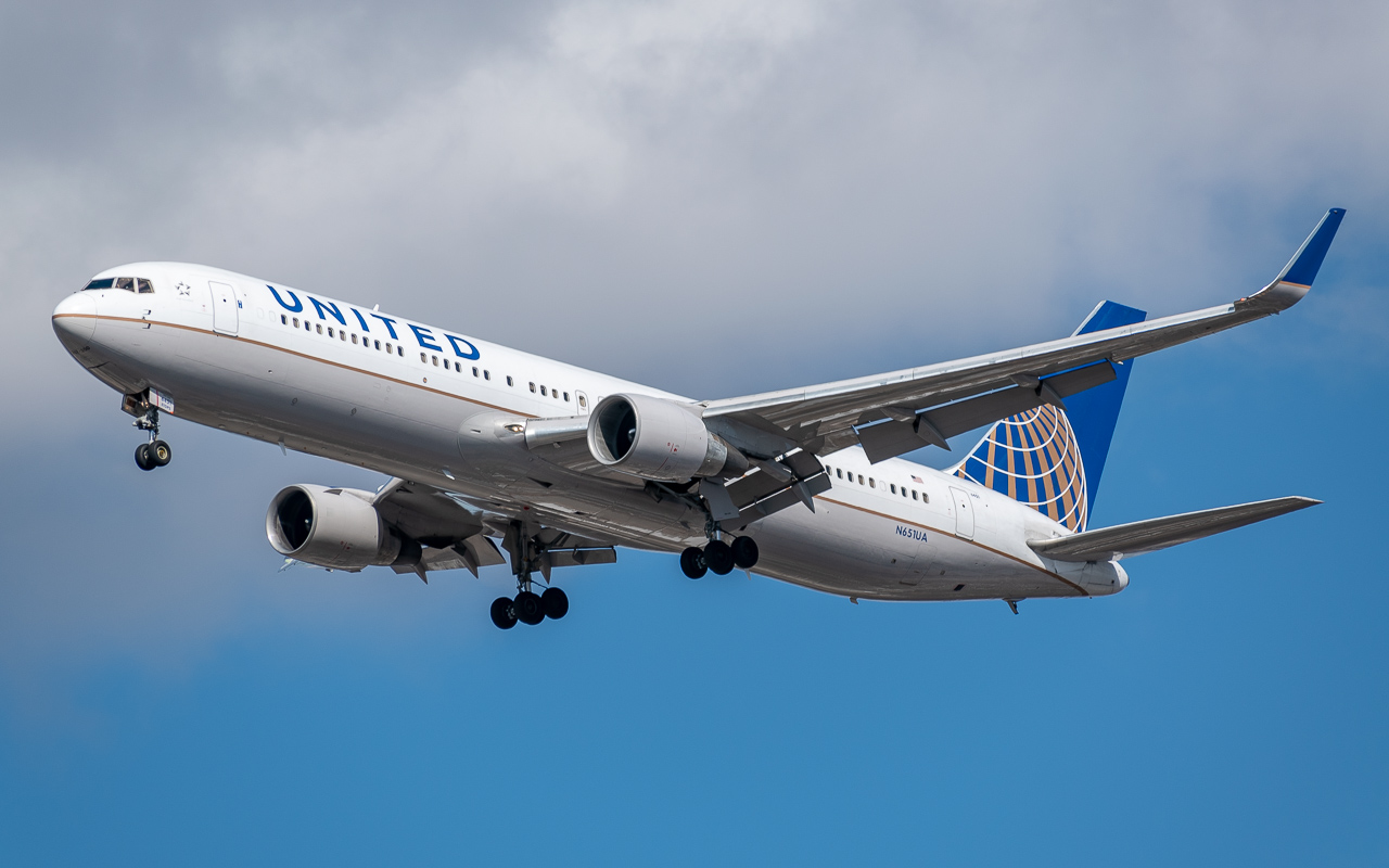 Click image for larger version.  Name:United 767.jpg Views:18 Size:317.6 KB ID:23932