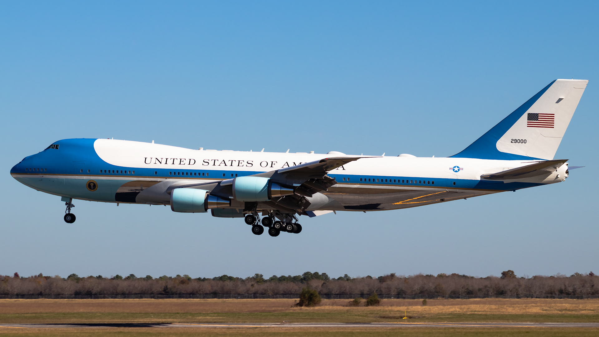 Click image for larger version.  Name:USAF VC-25 29000 (Air Force One) JetPhotos.jpg Views:18 Size:813.5 KB ID:25557