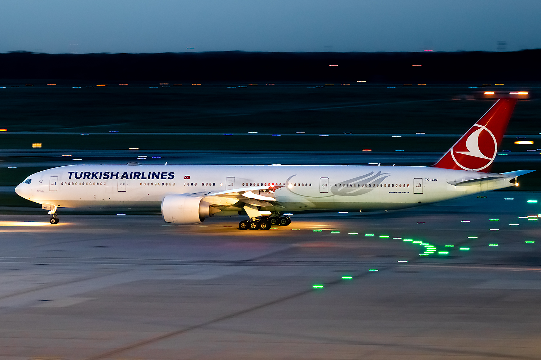 Click image for larger version.  Name:Turkish Airlines 777-300ER TC-JJU JetPhotos.jpg Views:15 Size:829.8 KB ID:25744