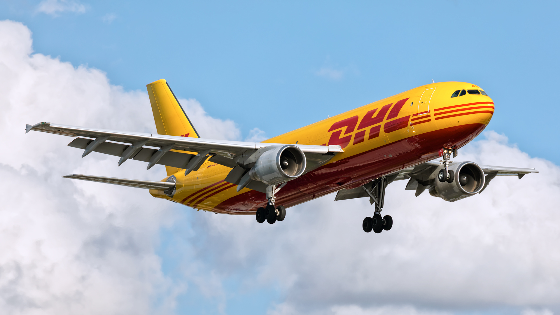 Click image for larger version.  Name:DHL-A306-land-web.jpg Views:12 Size:686.5 KB ID:26126
