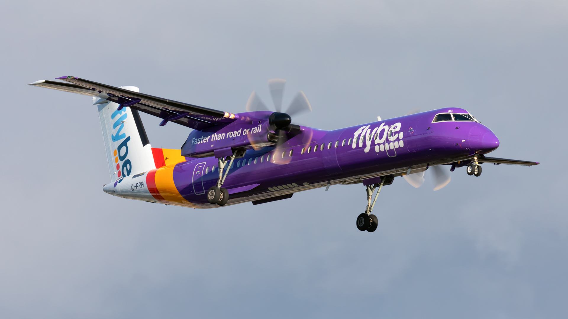 Click image for larger version.  Name:FlyBe-Dash-8-land-web.jpg Views:10 Size:551.8 KB ID:26313