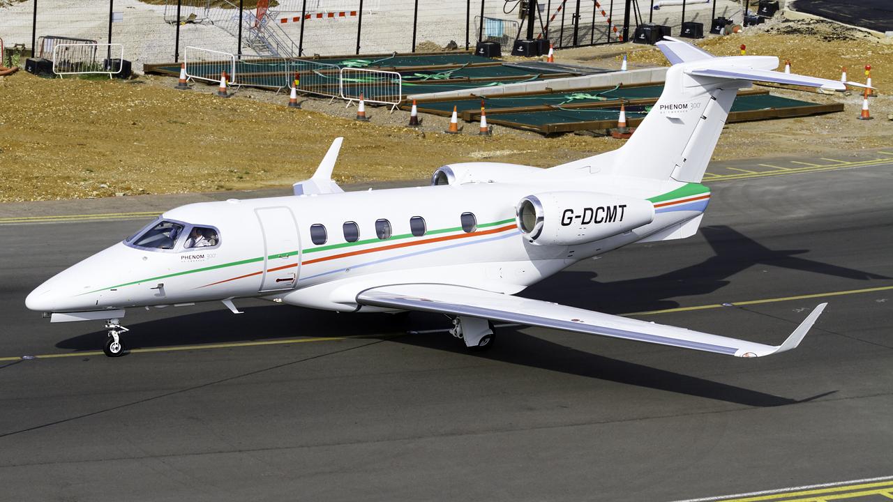 Click image for larger version.  Name:centreline air services embraer 505 phenom 300 REG- G-DCMT.jpg Views:19 Size:741.7 KB ID:26528