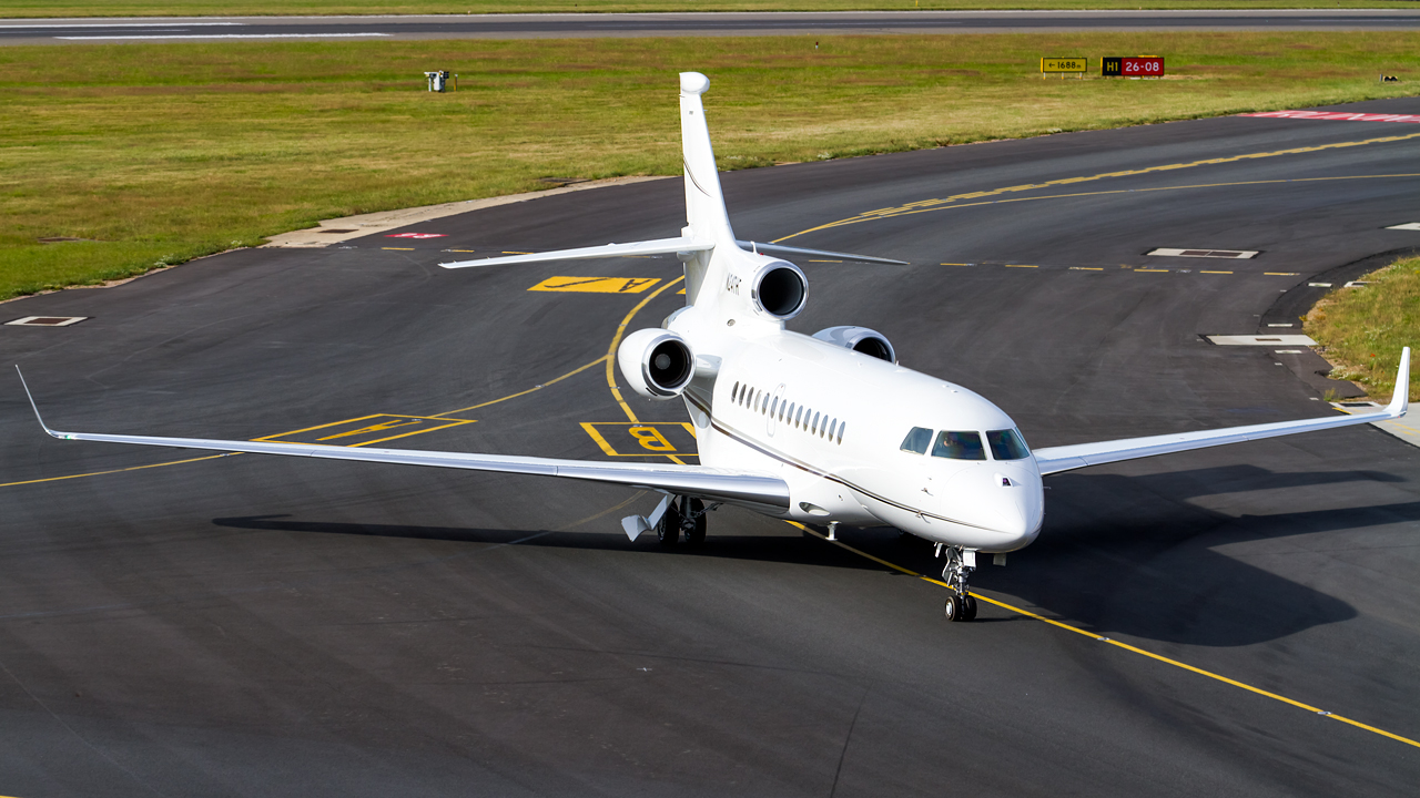 Click image for larger version.  Name:private owner dassault falcon 7X REG- N24TH  2.jpg Views:15 Size:614.5 KB ID:26647
