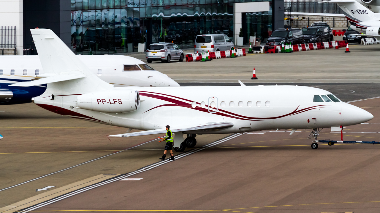 Click image for larger version.  Name:private owner dassault falcon 2000 REG- PP-LFS  2.jpg Views:14 Size:654.9 KB ID:26653