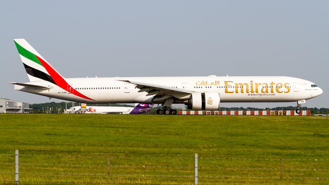 Click image for larger version.  Name:emirates 777-300ER REG- A6-EBW.jpg Views:19 Size:669.8 KB ID:26691