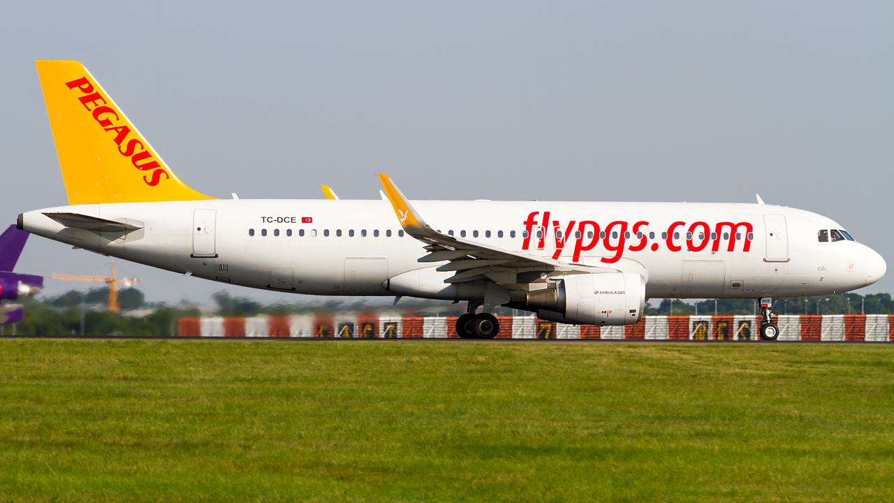 Click image for larger version.  Name:pegasus airlines A320-200 REG- TC-DCE.jpg Views:25 Size:567.4 KB ID:26752