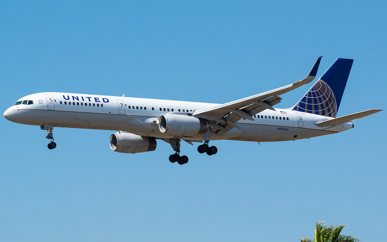 Click image for larger version.  Name:UA 757-2 N29124 JP.jpg Views:8 Size:500.9 KB ID:26765