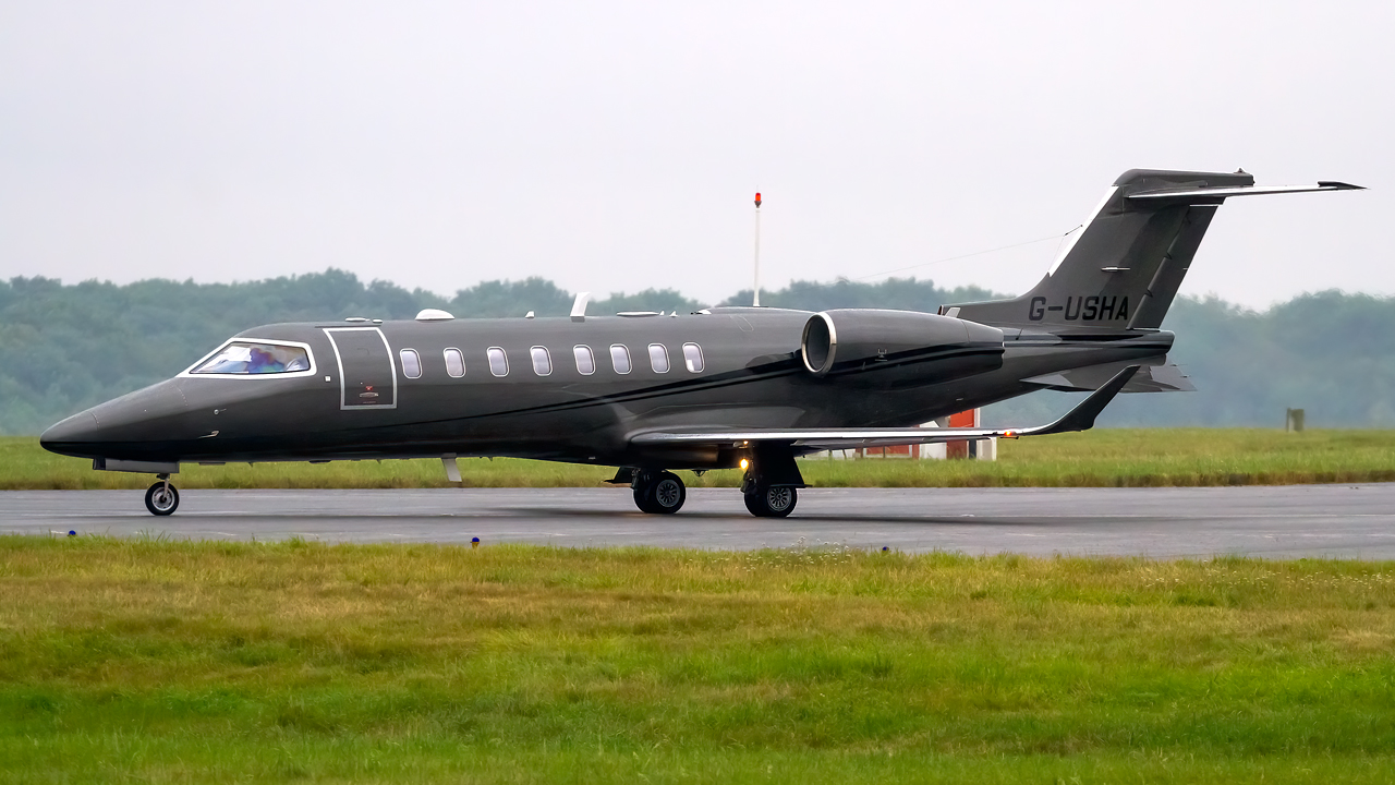 Click image for larger version.  Name:private owner bombardier learjet 75 REG- G-USHA  5.jpg Views:28 Size:570.9 KB ID:26806