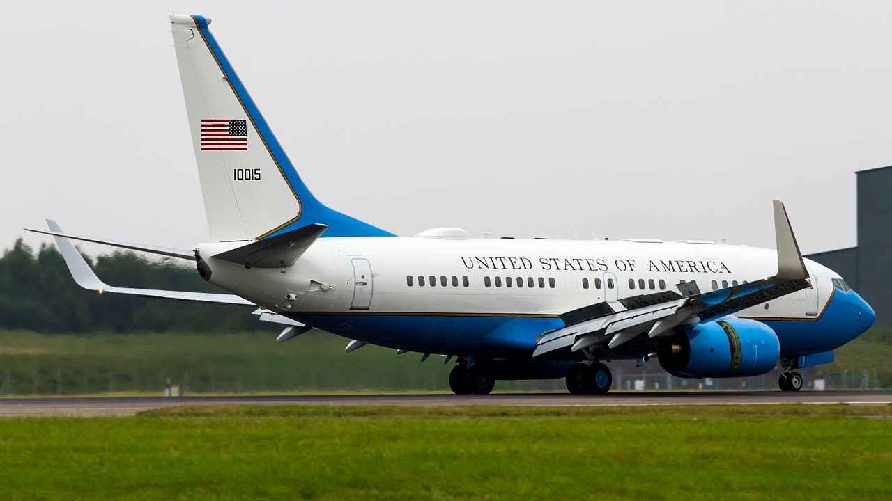 Click image for larger version.  Name:United states air force boeing C-40B REG- 01-0015.jpg Views:22 Size:485.2 KB ID:26811