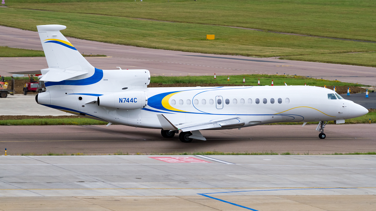 Click image for larger version.  Name:private owner dassault falcon 8X REG- N744C.jpg Views:21 Size:646.1 KB ID:26953