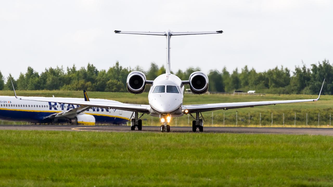 Click image for larger version.  Name:Air hamburg embraer erj-13fbj legacy 650 REG- D-AWIN.jpg Views:17 Size:546.0 KB ID:27086