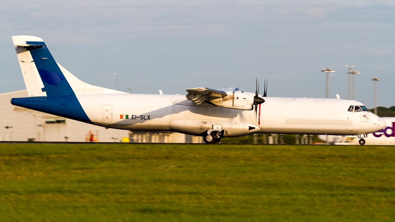 Click image for larger version.  Name:ASL Airlines ATR 72-202(F) REG- EI-SLX.jpg Views:13 Size:520.9 KB ID:27127