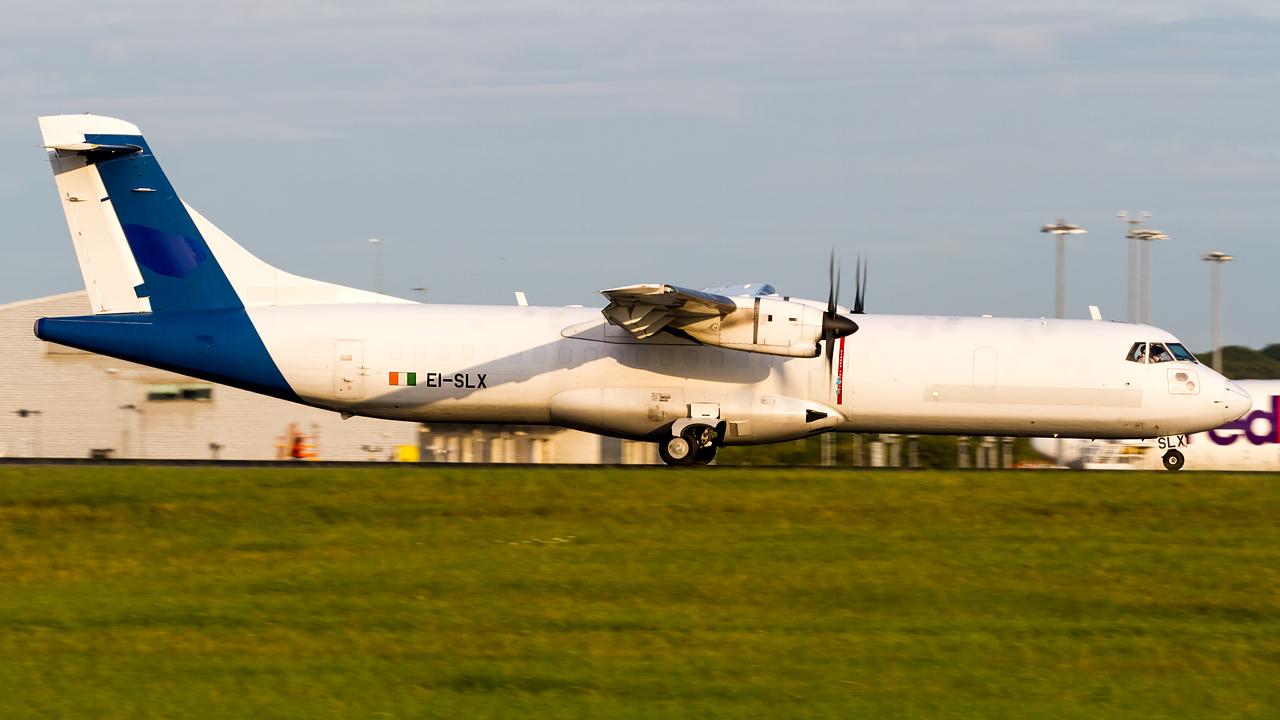 Click image for larger version.  Name:ASL Airlines ATR 72-202(F) REG- EI-SLX  2.jpg Views:7 Size:522.9 KB ID:27130