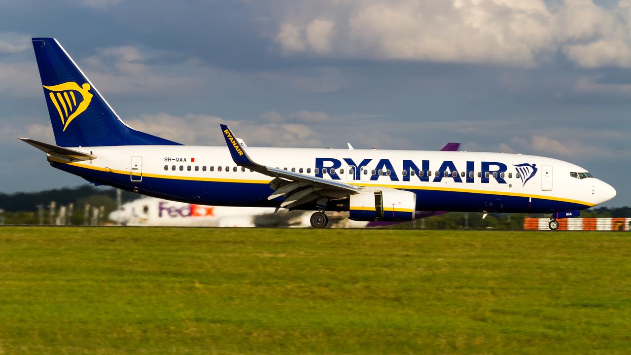 Click image for larger version.  Name:ryanair 737-8 REG- 9H-QAA.jpg Views:15 Size:558.9 KB ID:27146