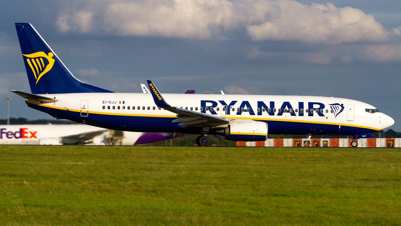 Click image for larger version.  Name:ryanair 737-8 REG- EI-GJJ.jpg Views:15 Size:579.2 KB ID:27149