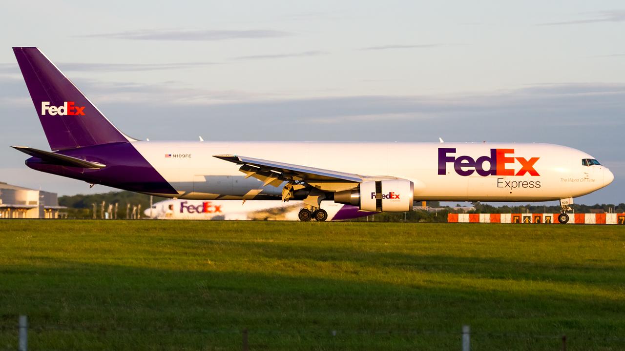 Click image for larger version.  Name:FedEx 767-300F REG-N109FE  2.jpg Views:14 Size:581.3 KB ID:27205